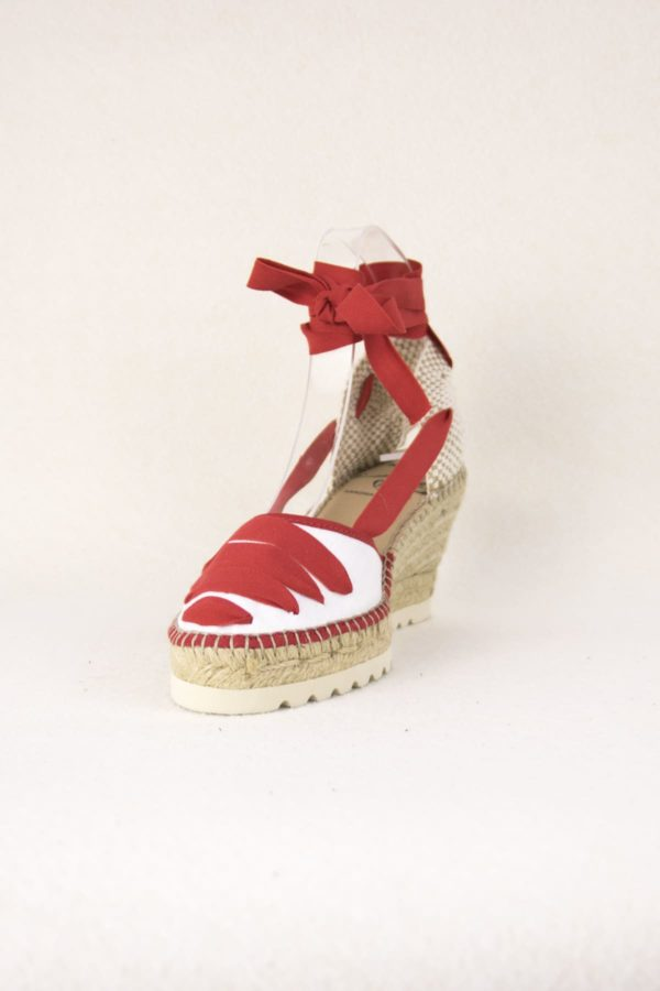 baiona-espadrilles-rouge-blanche-compensees-espadrilles-fetes-de-bayonne-espadrilles-basque-espadrilles-femme-espadrilles-originales-dam-e-droles