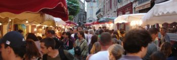 Vente d'espadrilles Dam é drôles – Marché Nocturne de Biarritz